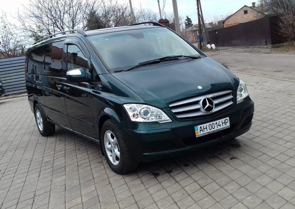 Автомобиль Mercedes, микроавтобус