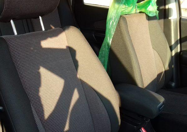 Автомобиль Hyundai, кресла