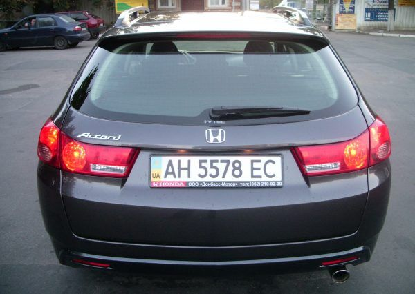 Авто, Honda Accord, вид сзади