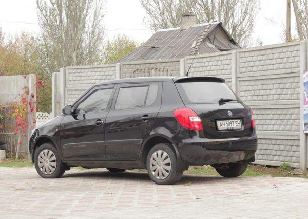 Автомобиль Ford Fiesta, вид сбоку